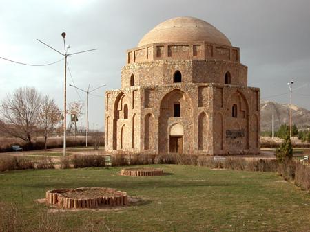 Gombad-e Jabaliye, possibly a Zoroastrian fire temple Kerman, Iran