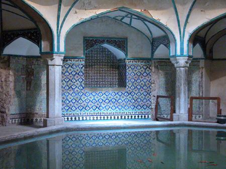 Pool and surrounding arcade, Ganj Ali Khan Bathhouse Kerman, Iran