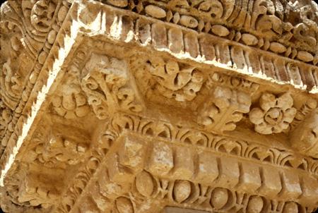 Jerash, Jordan: Carved corner decoration