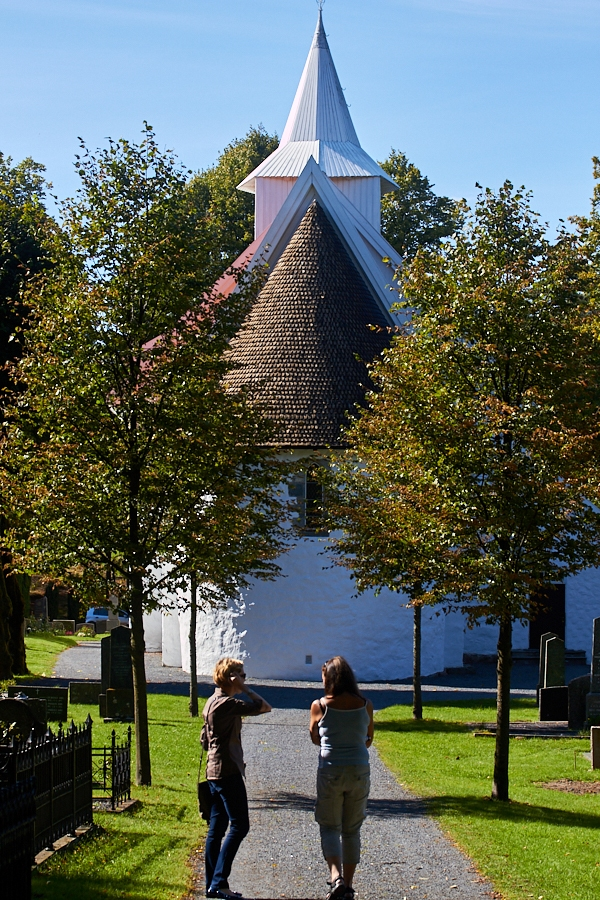 001 Fjære Church and trees -- Grimstad, Sørlandet, 2014