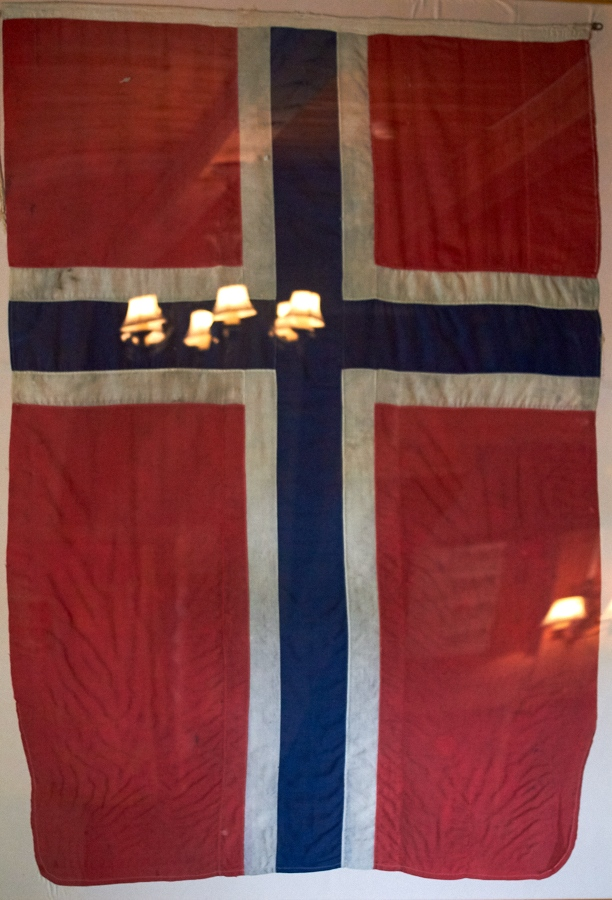 110 Flag, Fjære Church -- Grimstad, Sørlandet, 2015