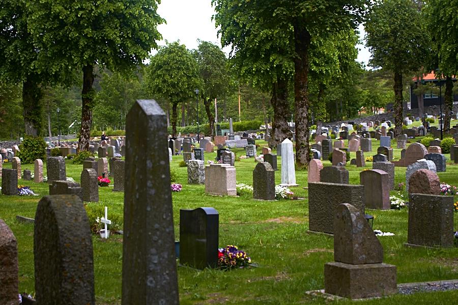 115 Graveyard, Fjære Church -- Grimstad, Sørlandet, 2015
